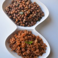 Chane Usli - Godu Phovu | Seasoned black chickpeas - sweetened rice flakes | Konkani Breakfast/snack combo