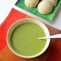 Roasted gram dal and coriander leaves chutney